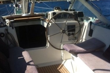 Beneteau Oceanis 42 CC for sale in Italy for €80,000 (£71,760)