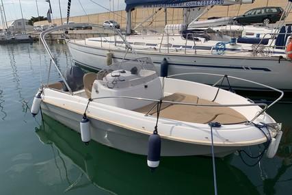 Jeanneau Cap Camarat 5.5 WA for sale in Spain for €10,000 (£8,970)