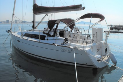 Beneteau Oceanis 31 for sale in France for €62,000 (£56,106)