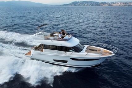 Jeanneau Velasco 43F for sale in France for €345,000 (£310,322)