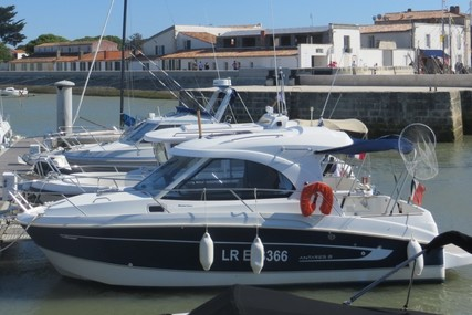 Beneteau Antares 8 for sale in France for €42,500 (£36,759)