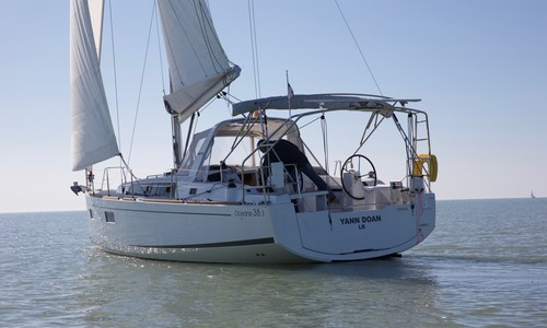 Beneteau Oceanis 38 1 for sale in France for €153,000