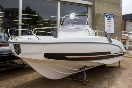 Beneteau Flyer 6.6 Spacedeck for sale in France for €39,995 (£34,358)