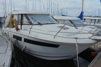 Jeanneau Merry Fisher 855 for sale in France for €64,900 (£58,312)