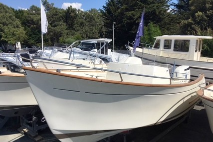 Rhea Marine 27 Open for sale in France for €76,900 (£67,924)