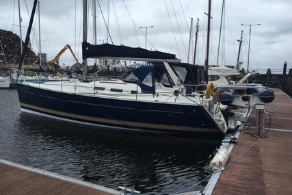 Beneteau Oceanis 373 for sale in Ireland for €69,000 (£61,124)