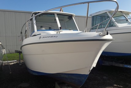 Jeanneau Merry Fisher 580 for sale in France for €13,500 (£11,959)
