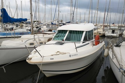 Jeanneau Merry Fisher 625 for sale in France for €21,900 (£18,845)