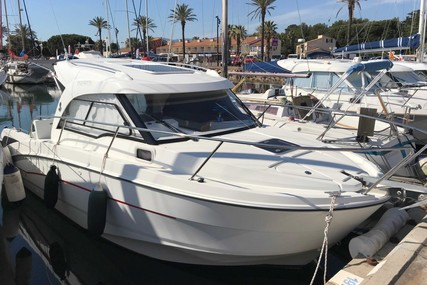 Beneteau Antares 8 OB for sale in France for €64,900 (£58,216)