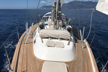 Hallberg-Rassy 40 for sale in France for €285,000 (£260,905)