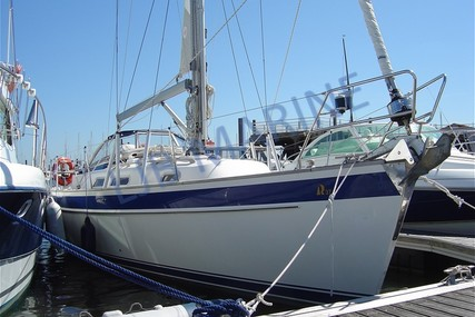 Hallberg-Rassy 37 for sale in France for €180,000 (£164,782)