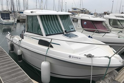 Jeanneau Merry Fisher 580 for sale in France for €7,990 (£6,731)
