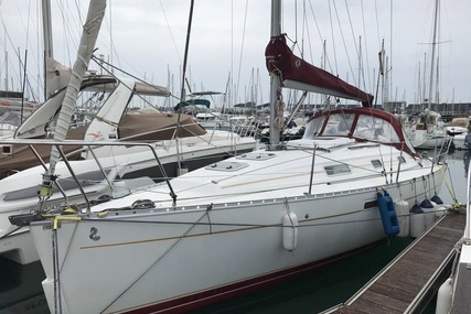 Beneteau Oceanis 311 Clipper for sale in France for €39,900 (£34,276)