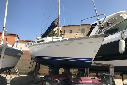 Jeanneau Sun Odyssey 30 for sale in France for €12,000 (£10,794)