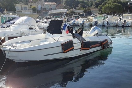 Beneteau Flyer 6.6 Spacedeck for sale in France for €37,000 (£31,785)