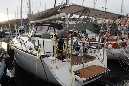 Dufour Yachts 45 E Performance for sale in France for €249,000 (£219,937)