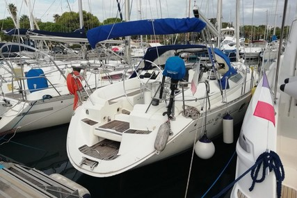Jeanneau Sun Odyssey 42.1 for sale in France for €66,000 (£59,714)