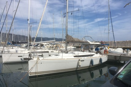 Jeanneau Sun Odyssey 379 for sale in France for €95,000 (£85,357)
