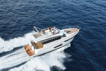 Jeanneau Velasco 43F for sale in France for €415,000 (£373,285)
