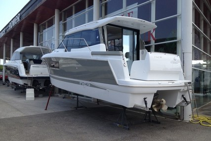 Jeanneau NC 9 for sale in France for €185,000 (£165,946)