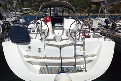 Jeanneau Sun Odyssey 42i for sale in Italy for €120,000 (£106,302)