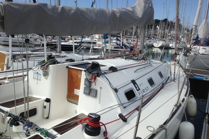 Beneteau First 31.7 for sale in France for €44,000 (£39,577)