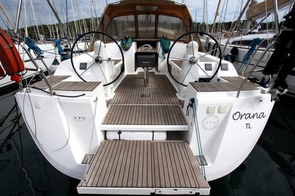 Dufour Yachts 375 GRAND LARGE for sale in France for €90,000 (£80,731)