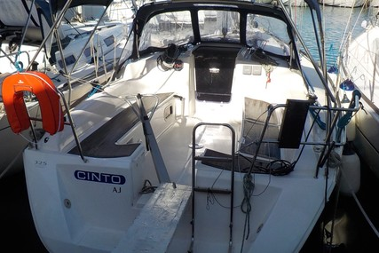 Dufour Yachts 325 Grand Large for sale in France for €50,000 (£44,974)
