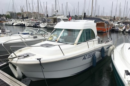 Beneteau Antares 650 HB for sale in France for €17,000 (£15,381)