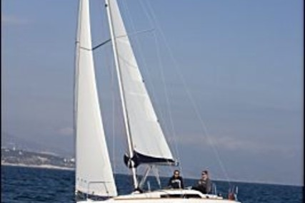 Beneteau Oceanis 31 for sale in France for €65,000 (£54,508)