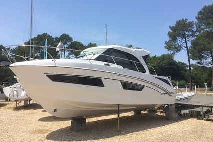 Beneteau Antares 9 for sale in France for €110,500 (£99,158)