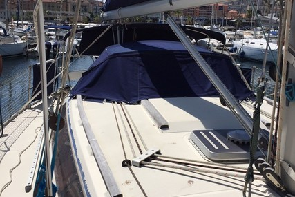 Jeanneau Sun Shine 36 for sale in France for €30,000 (£26,575)