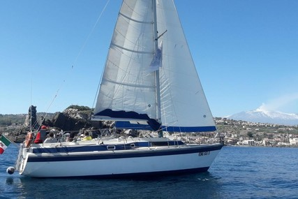 Dehler 37 for sale in Italy for €25,000 (£21,090)