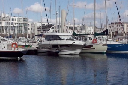 Jeanneau NC 9 for sale in France for €115,000 (£102,090)