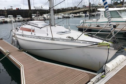 Jeanneau Aquila 27 for sale in France for €7,900 (£7,095)