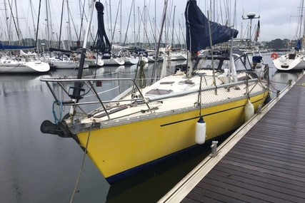 Jeanneau Sun Shine 36 for sale in France for €30,000 (£27,444)