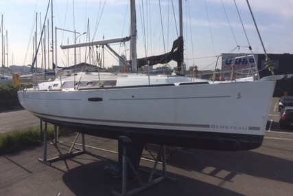Beneteau Oceanis 34 for sale in France for €62,000 (£51,548)