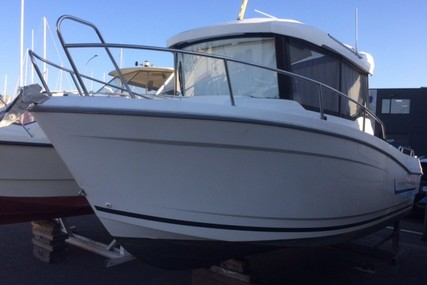 Jeanneau Merry Fisher 695 Marlin for sale in France for €33,000 (£29,601)