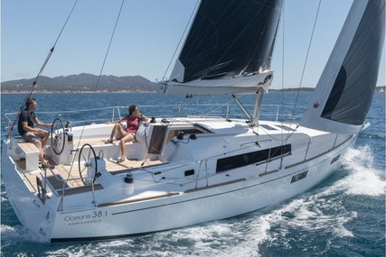 Beneteau Oceanis 38.1 for sale in Portugal for €187,957 (£162,567)