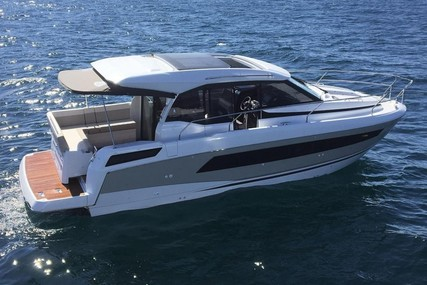 Jeanneau NC 33 for sale in Germany for €289,900 (£260,760)