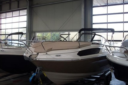 Bayliner VR5 Cuddy for sale in Germany for €42,900 (£38,814)
