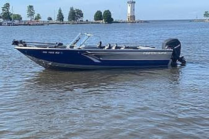 Crestliner Authority 2250 for sale in United States of America for $77,700 (£62,088)