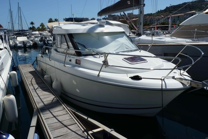 Jeanneau Merry Fisher 755 for sale in France for €39,000 (£35,614)