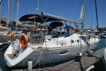 Jeanneau Sun Odyssey 39 DS for sale in Portugal for €117,500 (£105,573)