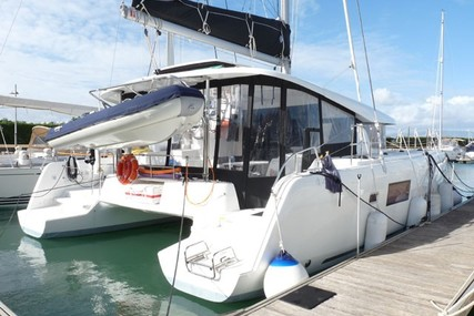 Lagoon 42 for sale in Portugal for €465,000 (£410,843)