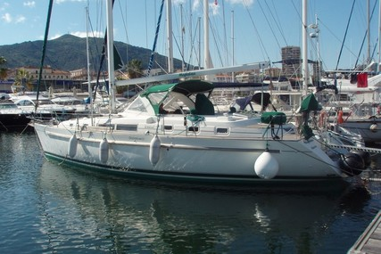 Beneteau Oceanis 44 CC for sale in France for €125,000 (£104,320)