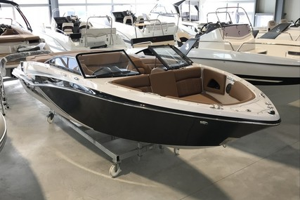 Glastron 225 GT for sale in France for €59,900 (£53,731)