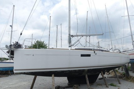 Jeanneau Sun Odyssey 349 for sale in France for €129,000 (£115,714)