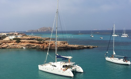 Image of Lagoon 500 for sale in Spain for €490,000 (£410,908) Vigo, , Spain