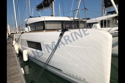 Lagoon 40 for sale in France for €323,000 (£296,010)